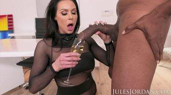 Jules Jordan . - Big Tit MILF Star Kendra Lust Has A BBC Celebration