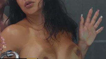 Brazzers - Cheating milf Rose Monroe fucks in shower