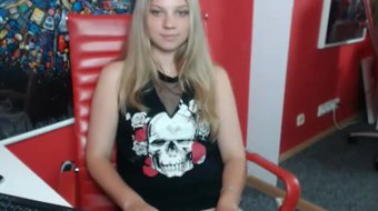 yes it is me, the true ukrainian slut. you asked for my ass and naked pussy