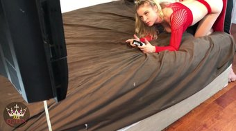 Gamer Stepsister Creampied While Playing