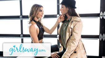 Kristen Scott Snitches for Casey Calvert's Snatch-Girlsway