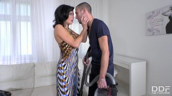 Curvy Milf Veronica Avluv gets her shaved wet pussy filled with giant cock
