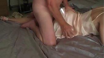 Bố hiếp dâm con gái say rượu