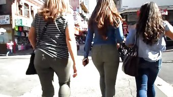 BootyCruise: Three Fine Mother-Daughter Asses