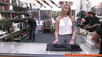 Pawnshop babe dickriding reversecowgirl