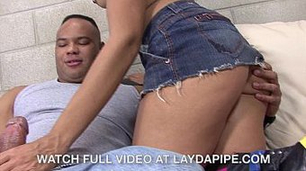 Alicia Tease & Sledge Hammer - LaydaPipe.com