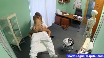 Doctor cums in beatiful patient pussy