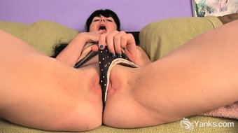 Awesome amateur Siouxsie have fun with her toys