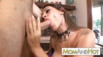 MILF MOM sex addict