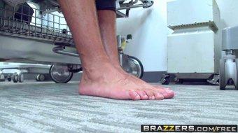 Brazzers - Doctor Adventures - Brooke Brand and Keiran Lee -