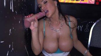 BANGBROS - Big Tits MILF Lisa Ann At The Glory Hole (ghl13024)