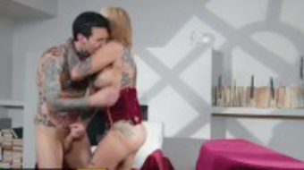 Brazzers - Inked couple Bonnie Rotten & Small Hands fuck hard