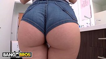 BANGBROS - PAWG Stevie Shae Gets Her Onion Booty Banged By Mike Adriano