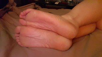 Nice soles pose 20